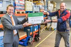 Tafelronde 12 Zaanstreek doneert 2.000 euro aan Voedselbank
